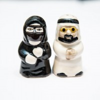 Arabia couple salt and pepper